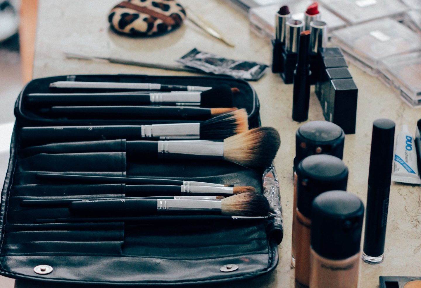 Do's and Don'ts for Makeup Beginners